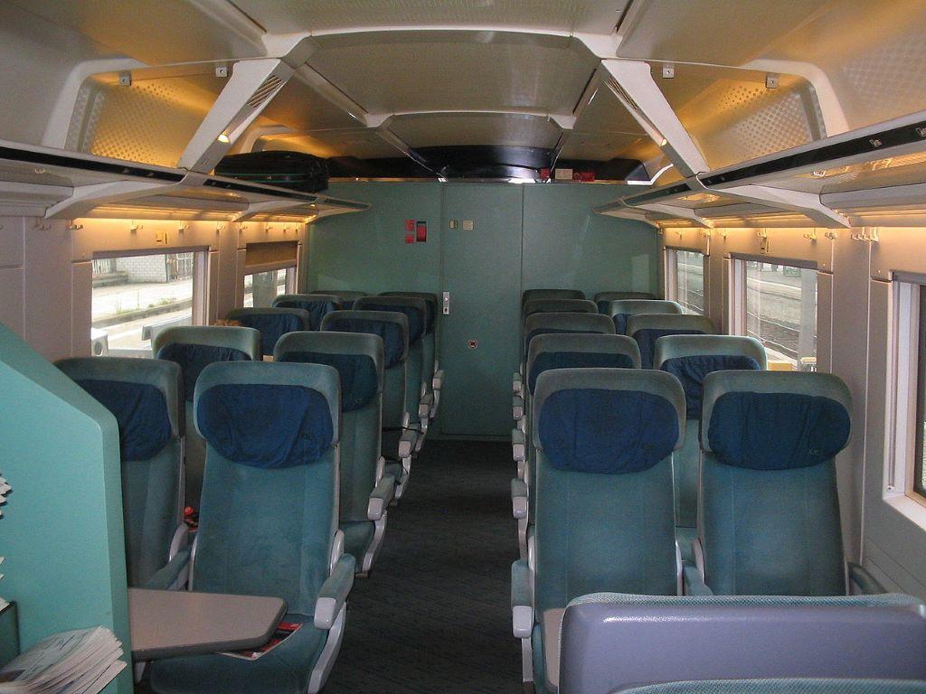 ICE 2 Steuerwagen Fahrgastraum